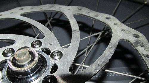 Kerékpár pedál csere és javítás
