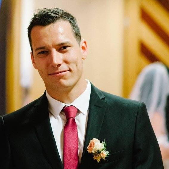 Céges első esküvő
